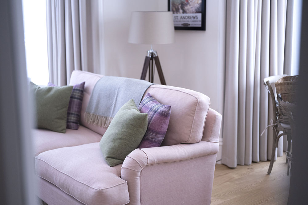 Comfortable accommodation in Scottish Thistle Apartment, Art House Inverness