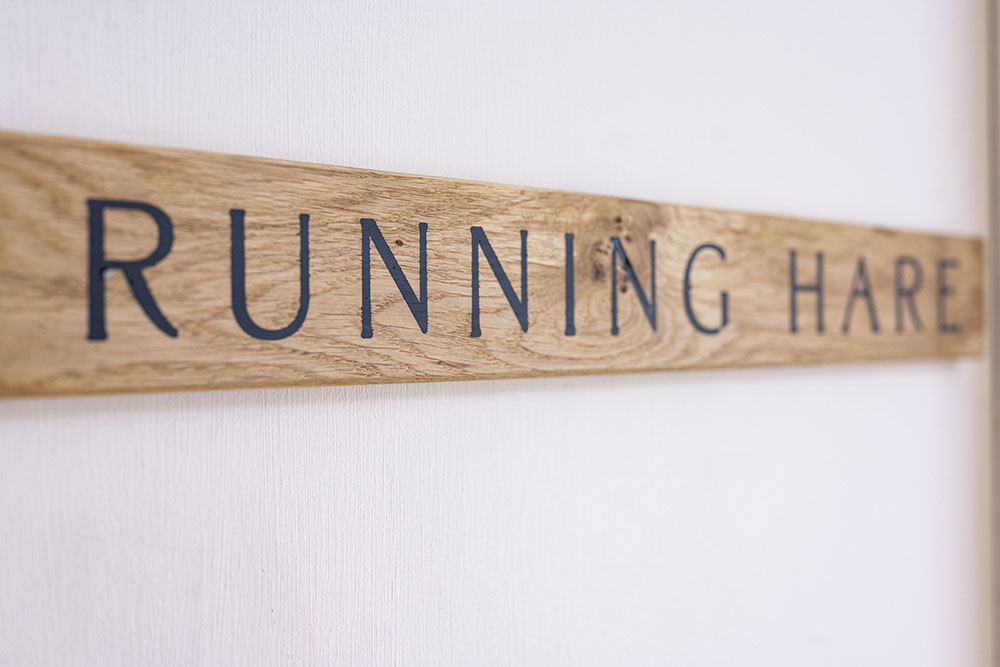 Door Running Hare, Studio Serviced Apartment Inverness